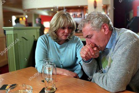 Stock Image of 'Fat Friends'   TV Alison Steadman and James Hazeldine