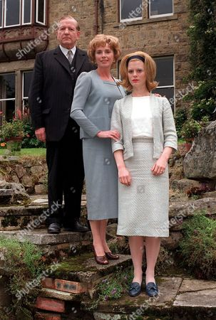'The Round Tower'   TV  Vanessa (Emilia Fox) Tries to Build Bridges with Her Parents Jonathan Ratcliffe (Keith Barron) and Jane Ratcliffe (Jan Harvey).