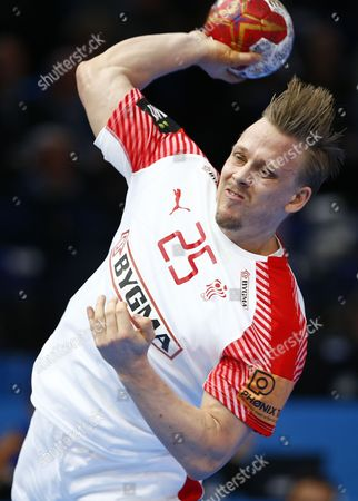 Denmark's Morten Olsen in action during the group D match between Bahrain and Denmark at the IHF Men's Handball World Championship, Paris, France, 18 January 2017.