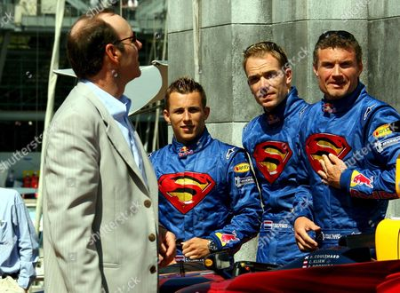 American Actor Kevin Spacey (l) Seen with Red Bull Racing Team Drivers Austrian Christian Klein (2nd L) Dutch Robert Doornbos (c) and Scottish David Coulthard (r) During the New Movie 'Superman Returns' Presentation Before the Monaco Grand Prix at the Monaco Circuit in Monaco Sunday 28 May 2006