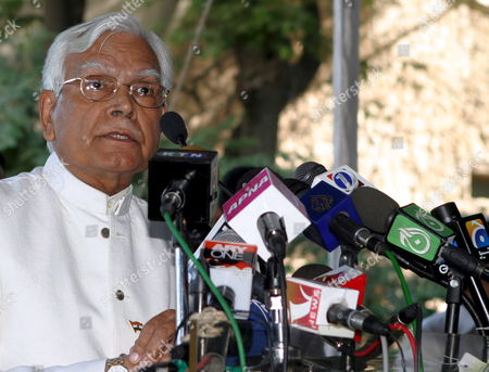 Indian Foreign Minister Natwar Singh Addresses the Media During His Visit to the Indian Consul General in Karachi On Wednesday 05 October 2005 an Indian Consulate in Karachi and a Pakistani Consulate in Mumbai Are Slated to Be Opened in December Or Januiary