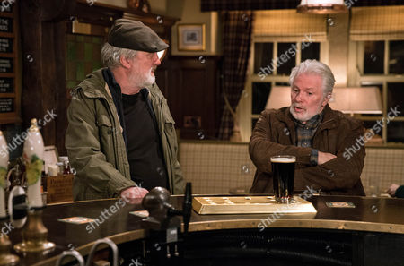 Ronnie, as played by John McArdle, gives Zak Dingle, as played by Steve Halliwell, advice about Lisa explaining she just needs time. (Ep 7732 - 26 Jan 2017)