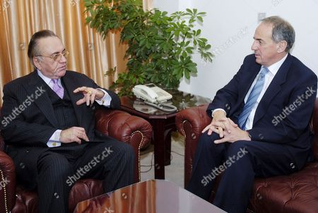 Dr Kim Howells (r) British Secretary of State For Foreign and Commonwealth Office Meets Pakistani Foreign Minister Khurshid Mahmood Kasuri in Islamabad On Tuesday 29 November 2005 Kim Howells is On an Official Visit to Pakistan