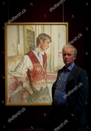 The Artist John Wonnacott Stands in Front of His Sketch of Prince William Which Will Go On Sale at Agnew's of Old Bond St London Tomorrow For a Sum in the Region of ú100 000 (147 227 Euros) Tuesday 27 September 2005 the Study of the Prince Painted Just Before His Eighteenth Birthday is One of the Preliminary Sketches For the Large Portrait of the Royal Family by John Wollacott Commissioned by the National Potrait Gallery in 2000