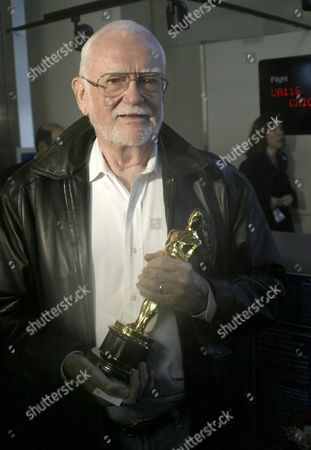 Academy President Frank Pierson Shows to the Media the One of the Oscar Statuettes Carried On the Flight Deck Aboard Flight 854 From Chicago to Los Angeles Today Friday 11 February 2005 the 77th Annual Academy Awards Ceremony Will On February 27 2005