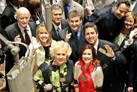 The Cast From Television's 'Everybody Loves Raymond' (ltor) First Row Doris Roberts and Patricia Heaton Second Row Monica Horan and Ray Ramano Third Row Peter Boyle Viacom's Co-ceo Les Moonves Executive Producer Phil Rosenthal and Brad Garret Pose For Pictures On the Floor of the New York Stock Exchange in New York City Monday 16 May 2005