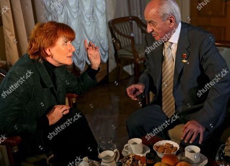 Celia Sandys Granddaughter of Former British Prime Minister Winston Churchill Meeting Legendary Soviet Secret Service Agent Ghevork Vartanian in Moscow 19 October 2007 Ghevork Vartanian Took Part in Preventing the Assassination of Franklin D Roosevelt Winston Churchill and Josef Stalin the Leaders of the U S Britain and Soviet Union During Their Meeting in Tehran Iran in 1943 Celia Sandys Arrived in Moscow to Make a Film On the History of Russo-british Relations