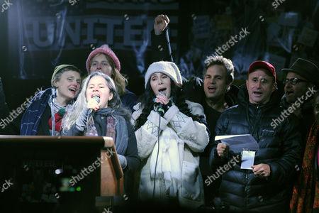 Natalie Merchant, Cher, Mark Ruffalo