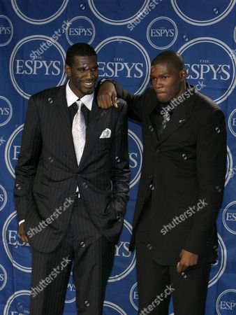 Top Nba Draft Picks Greg Oden of Portland Trailblazers (l) and Kevin Durant of the Seattle Supersonics (r) Pose in the Press Room Following the Espy Awards in Hollywood California Usa 11 July 2007