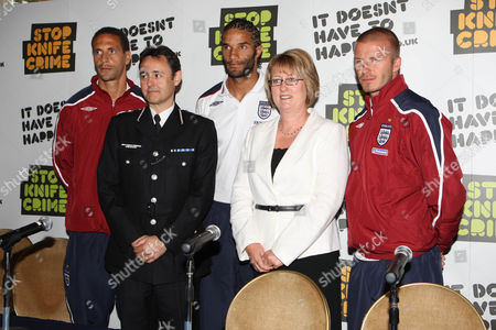 Rio Ferdinand, Alfred Hitchcock, David James, Jaqui Smith and David Beckham