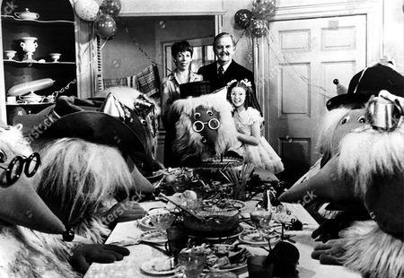 'Wombling Free'   Film  Julia (Frances De La Tour), Mr Frogmorton (David Tomlinson) and Kim (Bonnie Langford) with the Wombles.
