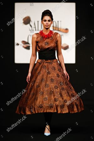 Belgian Tv Presenter Tatiana Silva Presents a Creation Made of Chocolate by Neuhaus and Create by Maison Nathan During a Fashion Show As Part of the Chocolate Fair in Brussels Belgium 04 February 2016 the 3rd Salon Du Chocolat of Brussels Runs From 05 to 07 February 2016 Belgium Brussels