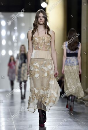 A Model Presents a Creation From the Autumn/winter 2015 Collection by Dutch Designer Michael Van Der Ham During the London Fashion Week in London Britain 24 February 2015 the Autumn/winter 2015 Collections Are Presented From 20 to 24 February United Kingdom London