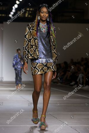 A Model Presents a Creation From the Spring/summer 2015 Collection by Indian-born Designer Ashish Gupta For His British Label Ashish During the London Fashion Week in London Britain 16 September 2014 the Presentation of the Women's Collections Runs From 12 to 16 September United Kingdom London