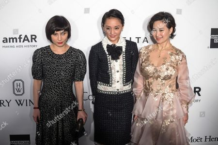 Daisy Ho (l) Chinese Actress Zhou Xun (c) and Macau-born Businesswoman Pansy Ho Attends the Amfar Gala in Hong Kong China 19 March 2016 the American Foundation For Aids Research is Holding Its Second Hong Kong Fundraiser Event China Hong Kong