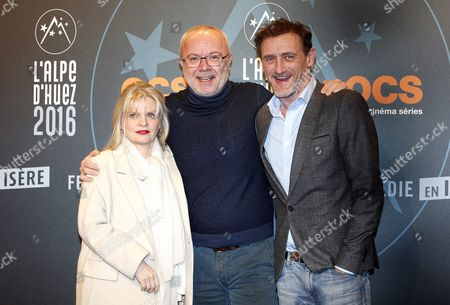 French Actors Isabelle Nanty (l) Olivier Baroux (c) and Jean Paul Rouve (r) Attend the Opening Ceremony of the 19th Annual International Comedy Film Festival in L'alpe D'huez France 13 January 2016 the Festival Runs From 13 to 17 January France Alpe D'huez