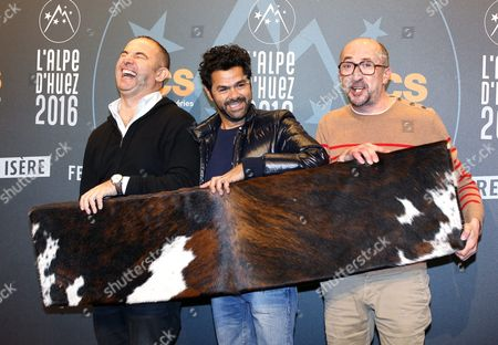 French Director Mohamed Hamidi (l) French Actor Jamel Debbouze (c) and Fatsah Bouyahmed (r) Attend the Opening Ceremony of the 19th Annual International Comedy Film Festival in L'alpe D'huez France 13 January 2016 the Festival Runs From 13 to 17 January France Alpe D'huez
