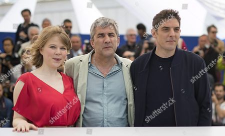 (l-r) French Actress India Hair French Director Alain Guiraudie and French Actor Damien Bonnard Pose During the Photocall For 'Rester Vertical' (staying Vertical) at the 69th Annual Cannes Film Festival in Cannes France 12 May 2016 the Movie is Presented in the Official Competition of the Festival Which Runs From 11 to 22 May France Cannes