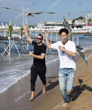 British Actor Joseph Fiennes (l) and Chinese Actor Shawn Dou (r) Fly a Kite on the Beach During a Photocall For 'The Last Race' at the 69th Annual Cannes Film Festival in Cannes France 15 May 2016 the Festival Runs From 11 to 22 May France Cannes