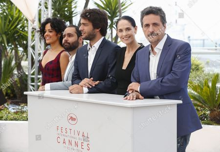 (l-r) Brazilian Actress Maeve Jinkings Brazilian Actor Fabio Leal Brazilian Actor Humberto Carrao Brazilian Actress Sonia Braga and Brazilian Director Kleber Mendonca Filho Pose During the Photocall For 'Aquarius' at the 69th Annual Cannes Film Festival in Cannes France 18 May 2016 the Movie is Presented in the Official Competition of the Festival Which Runs From 11 to 22 May France Cannes