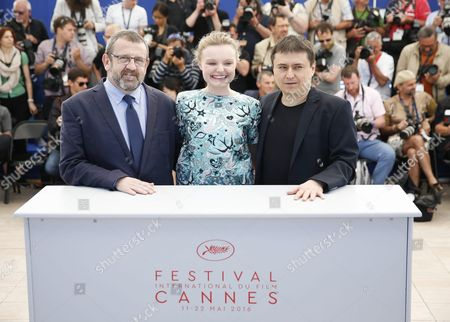 (l-r) Romanian Actor Adrian Titieni Romanian Actress Maria Dragus and Romanian Director Cristian Mungiu Pose During the Photocall For 'Bacalaureat' at the 69th Annual Cannes Film Festival in Cannes France 19 May 2016 the Movie is Presented in the Official Competition of the Festival Which Runs From 11 to 22 May France Cannes