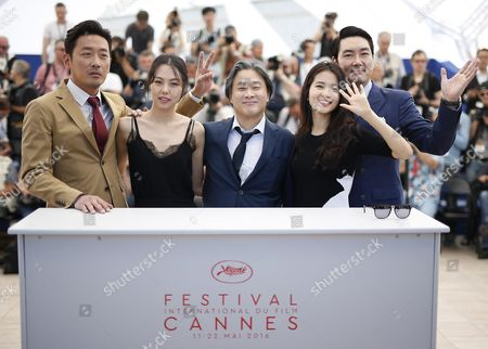 (l-r) South-korean Actor Ha Jung-woo South-korean Actress Kim Min-hee South-korean Director Park-chan-wook South-korean Actress Kim Tae-ri and South-korean Actor Jo Jing-woong Pose During the Photocall For 'Mademoiselle' (the Handmaiden) at the 69th Annual Cannes Film Festival in Cannes France 14 May 2016 the Movie is Presented in the Official Competition of the Festival Which Runs From 11 to 22 May France Cannes