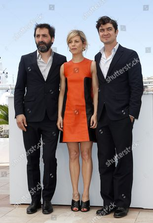 (l-r) Italian Director Stefano Mordini French Actress Marina Fois and Italian Actor Riccardo Scamarcio Pose During the Photocall For 'Pericle Il Nero' (pericle) at the 69th Annual Cannes Film Festival in Cannes France 19 May 2016 the Movie is Presented in the Section Un Certain Regard of the Festival Which Runs From 11 to 22 May France Cannes