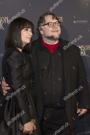Mexican Director Guillermo Del Toro (r) and His Wife Lorenza Newton (l) Pose During the Photocall For the Premiere of 'Crimson Peak' in Paris France 28 September 2015 the Movie Opens in French Theaters on 14 October France Paris