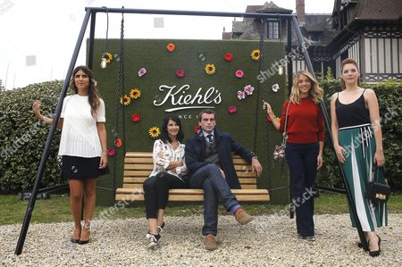 (l-r) Members of the Revelation Jury French Actresses Geraldine Nakache Zabou Breitman French Actor Stanley Weber French Actress Alice Isaaz and Canadian Actress Rachelle Lefevre Pose For the Photographers During a Photocall of the Jury at the Kiehl's Villa During the 41st Annual Deauville American Film Festival in Deauville France 05 September 2015 the Festival Runs From 04 to 13 September France Deauville