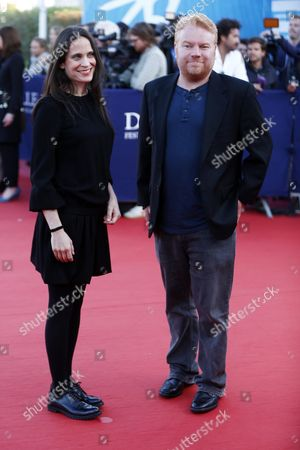 Us Screenwriter Amy Koppelman (l) and Us Movie Producer Mike Harrop Arrive on the Red Carpet Prior to the Projection of the Film 'Sleeping with Other People' During 41st Deauville American Film Festival in Deauville France 06 September 2015 the Festival Runs From 04 to 13 September France Deauville