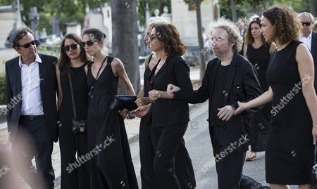 Nathalie Rykiel Daughter of the Late French Fashion Designer Sonia Rykiel (c) Flanked by Sonia Rykiel's Granddaughters Attends Her Mother's Funeral at the Montparnasse Cemetery in Paris France 01 September 2016 Rykiel Died on 25 August 2016 at the Age of 86 France Paris
