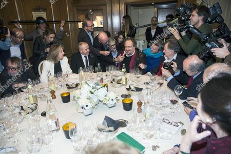 Goncourt Literary Price 2015 Laureate French Writer Mathias Enard (c) Answers Questions As He Just Received His Price For His Novel 'Boussole' at the Restaurant Drouant in Paris France 03 November 2015 France Paris