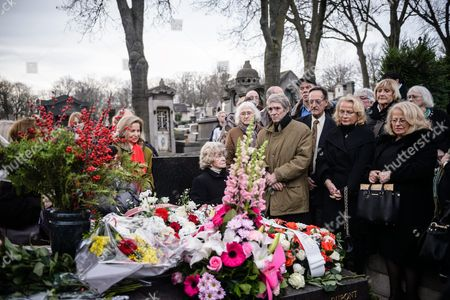 French Singer and Piaf's Stepdaughter Jacqueline Boyer (l) and Marcel Cerdan (3-r) Son of Boxing World Champion Marcel Cerdanelatives Gather with Friends and Fans at the Pere Lachaise Cemetery Around Edith Piaf's Tomb to Mark the 100 Years Commemoration of Her Birth in Paris France 19 December 2015 the French Singer Would Have Turned 100 Years on 19 December 2015 the 'Little Sparrow' Died on 10 October 1963 France Paris