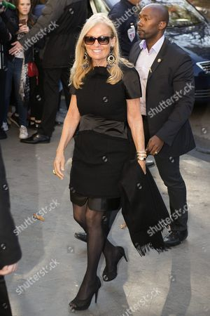 Us Ambassador to France Jane Hartley Arrives For the Presentation of the Spring/summer 2016/2017 Collection by German Designer Karl Lagerfeld For Chanel Fashion House During the Paris Fashion Week in Paris France 04 October 2016 the Presentation of the Women's Collections Runs From 27 September to 05 October France Paris