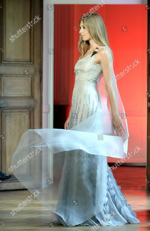A Models Presents a Creation of the Fall/winter 2015/2016 Haute Couture Collection by French-american Fashion Designer Alexandre Delima During the Paris Fashion Week in Paris France 09 July 2015 the Presentation of the Haute Couture Collections Runs From 05 to 09 July France Paris
