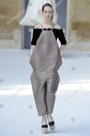 German Model Ivana Teklic Presents a Creation From the Fall/winter 2015/2016 Haute Couture Collection by the Label Ilja During the Paris Fashion Week in Paris France 05 July 2015 the Presentation of the Haute Couture Collections Runs From 05 to 09 July France Paris
