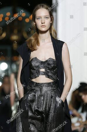 German Model Ivana Teklic Presents a Creation From the Fall/winter 2015/2016 Haute Couture Collection Chinese-born Designer Yiqing Yin During the Paris Fashion Week in Paris France 07 July 2015 the Presentation of the Haute Couture Collections Runs From 05 to 09 July France Paris