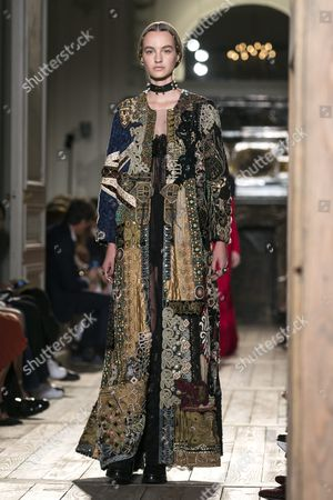 Dutch Model Maartje Verhoef Presents a Creation From the Fall/winter 2016/2017 Haute Couture Collection by Italian Designers Maria Grazia Chiuri and Pier Paolo Piccioli For Valentino During the Paris Fashion Week in Paris France 06 July 2016 the Presentation of the Haute Couture Collections Runs From 03 to 07 July France Paris