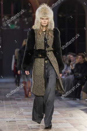 Estonian Model Alexandra Elizabeth Ljadov Presents a Creation From the Fall/winter 2016/17 Ready to Wear Collection by French Designer Julie De Libran For Sonia Rykiel During the Paris Fashion Week in Paris France 07 March 2016 the Presentation of the Women's Collections Runs From 01 March to 09 March France Paris