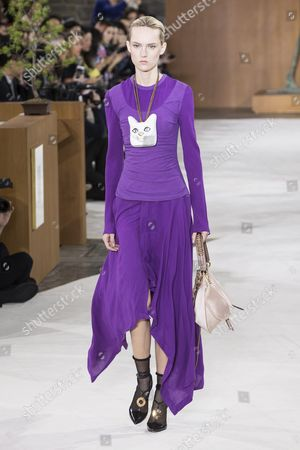 Estonian Model Harleth Kuusik Presents a Creation From the Fall/winter 2016/17 Ready to Wear Collection by British Designer Jonathan Anderson For Loewe During the Paris Fashion Week in Paris France 04 March 2016 the Presentation of the Women's Collections Runs From 01 March to 09 March France Paris
