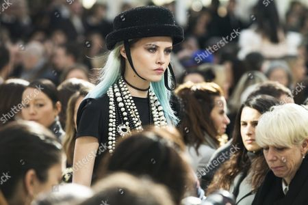 Model Charlotte Free Presents a Creation From the Fall/winter 2016/17 Ready to Wear Collection by German Designer Karl Lagerfeld For Chanel During the Paris Fashion Week in Paris France 08 March 2016 the Presentation of the Women's Collections Runs From 01 March to 09 March France Paris