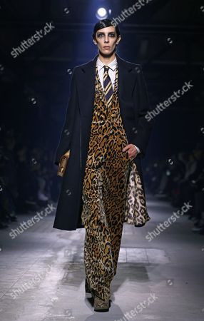 Us Model Jamie Bochert Presents a Creation From the Fall/winter 2016/17 Ready to Wear Collection by Belgian Designer Dries Van Noten During the Paris Fashion Week in Paris France 02 March 2016 the Presentation of the Women's Collections Runs From 01 March to 09 March France Paris