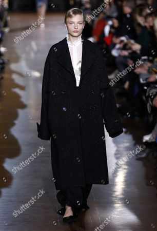 Danish Model Frederikke Sofie Presents a Creation From the Fall/winter 2016/17 Ready to Wear Collection by British Designer Stella Mccartney During the Paris Fashion Week in Paris France 07 March 2016 the Presentation of the Women's Collections Runs From 01 March to 09 March France Paris