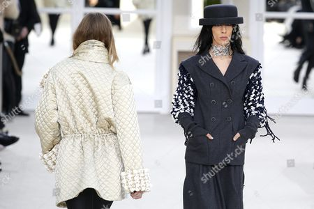Us Model Jamie Bochert (r) Presents a Creation From the Fall/winter 2016/17 Ready to Wear Collection by German Designer Karl Lagerfeld For Chanel During the Paris Fashion Week in Paris France 08 March 2016 the Presentation of the Women's Collections Runs From 01 March to 09 March France Paris
