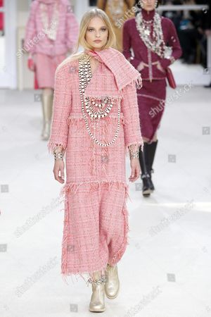 Danish Model Frederikke Sofie Presents a Creation From the Fall/winter 2016/17 Ready to Wear Collection by German Designer Karl Lagerfeld For Chanel During the Paris Fashion Week in Paris France 08 March 2016 the Presentation of the Women's Collections Runs From 01 March to 09 March France Paris