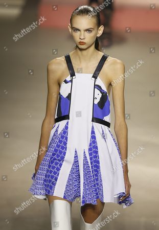 Us Model Molly Bair Presents a Creation From the Spring/summer 2016 Ready to Wear Collection by Designers Humberto Leon and Carol Lim For Kenzo Fashion House During the Paris Fashion Week in Paris France 04 October 2015 the Presentation of the Women's Collections Runs From 29 September to 07 October France Paris