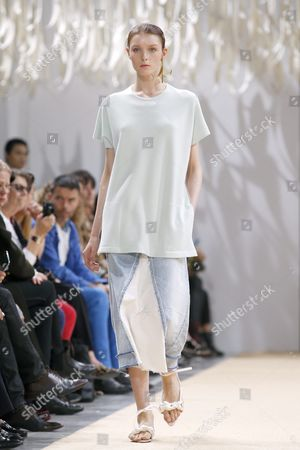A Model Presents a Creation From the Spring/summer 2016 Ready to Wear Collection by German Designer Andrea Karg For Allude During the Paris Fashion Week in Paris France 07 October 2015 the Presentation of the Womens Collections Runs From 29 September to 07 October France Paris