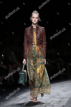 Estonian Model Harleth Kuusik Presents a Creation From the Spring/summer 2016 Ready to Wear Collection by Italian Designers Maria Grazia Chiuri and Pier Paolo Piccioli For Valentino During the Paris Fashion Week in Paris France 06 October 2015 the Presentation of the Womens Collections Runs From 29 September to 07 October France Paris