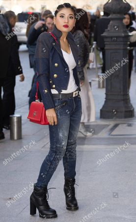 Thai Princess Siriwanwaree Nareerat Arrives For the Presentation of the Spring/summer 2016 Ready to Wear Collection by French Designer Nicolas Ghesquiere For Louis Vuitton During the Paris Fashion Week in Paris France 05 October 2016 the Presentation of the Women's Collections Runs From 27 September to 05 October France Paris