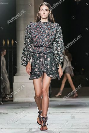 French Model Camille Hurel Presents a Creation From the Spring/summer 2016 Ready to Wear Collection by French Designer Isabel Marant During the Paris Fashion Week in Paris France 29 September 2016 the Presentation of the Womens Collections Runs From 27 September to 05 October France Paris